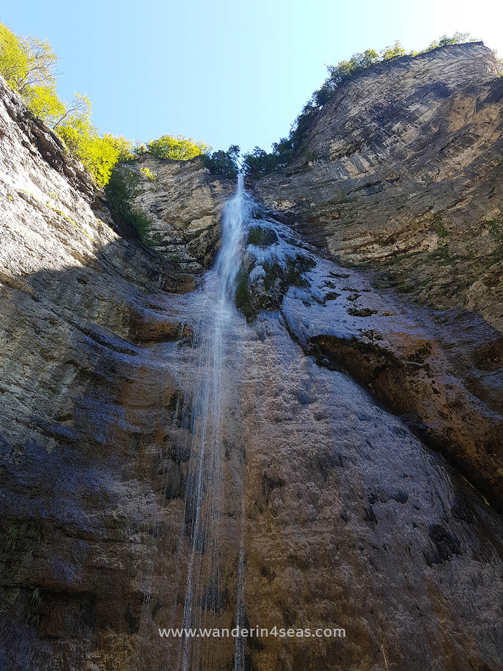 The waterfall along VF Burrone Giovanelli